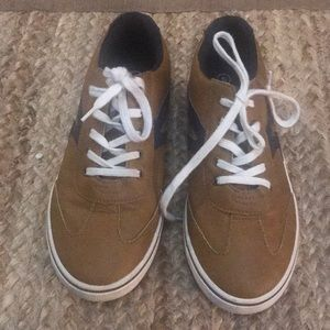 Cat & Jack camel/navy leather like sneakers, sz 5.